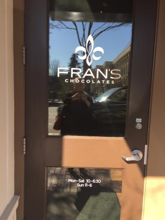 Fran's Chocolates: Hours