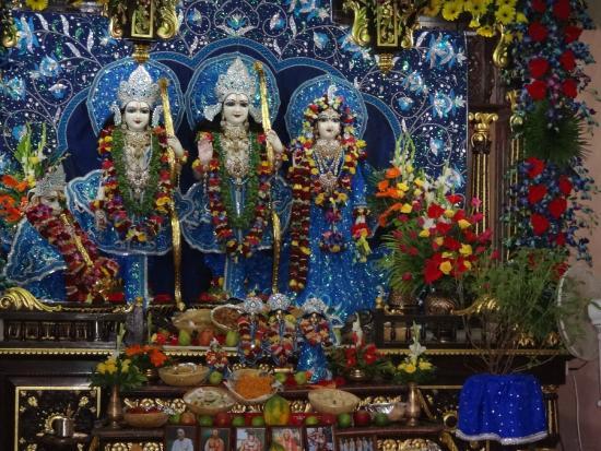 ISKCON Temple, Ahmedabad: Inside