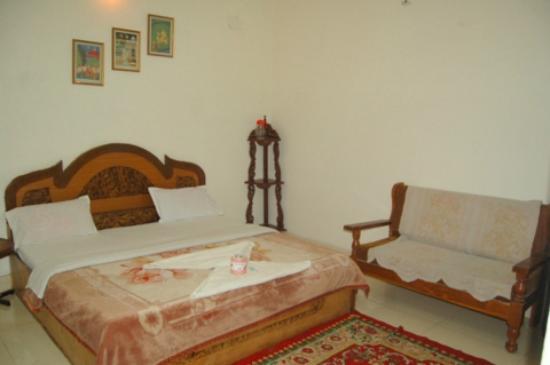 Monarch Rama: Guestroom
