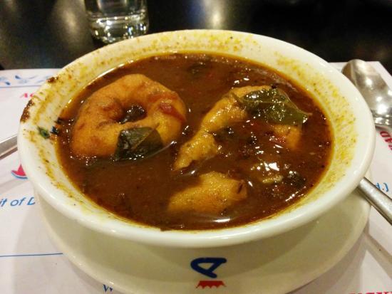 Dasaprakash Restaurant: Rasam Vada