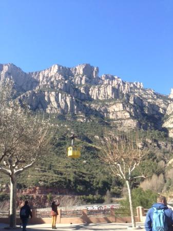 Escolania de Montserrat: ロープウェイの駅から