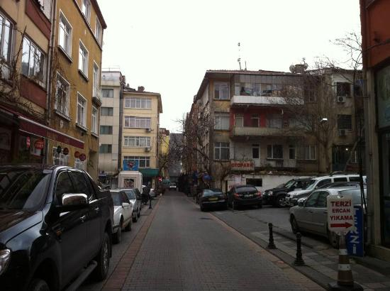 Akin Suites Istanbul: Outside 1