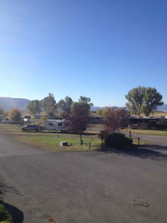 Eagles Hot Lake RV Park: RV Sites