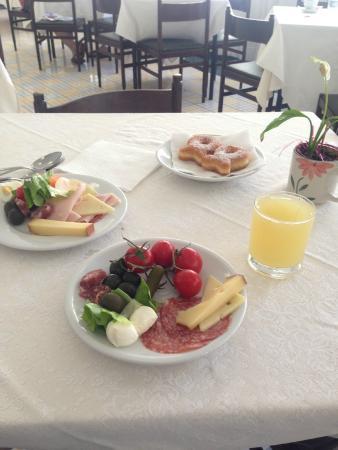 Hotel Torre di Milo: Breakfast