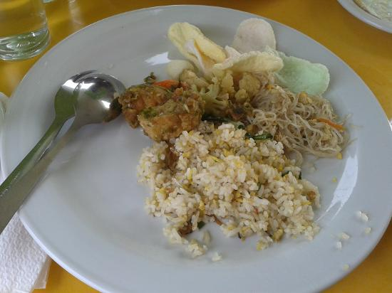 Hotel Amaris Pemuda Semarang : Heavy Meal