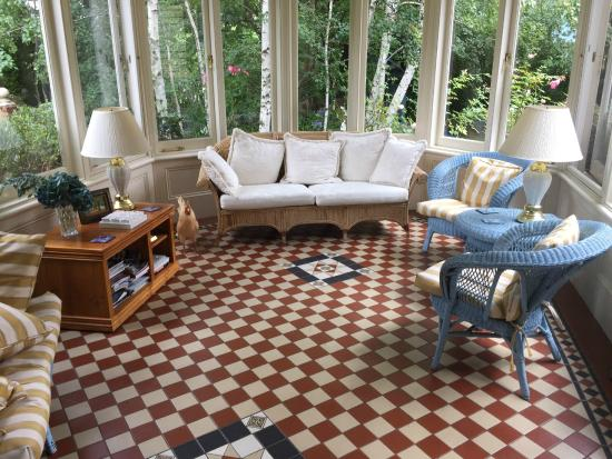 Erindale Guest House: Common area