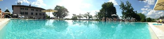 Sona, Italie : piscina