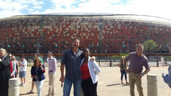 Skaris Touring- Day Tours: Auz group, Jburg, Soweto tour with Alina, Guide...