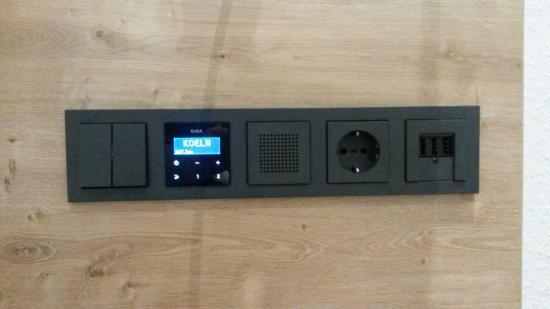 Hotel Allegro : Radio dans la chambre et SDB