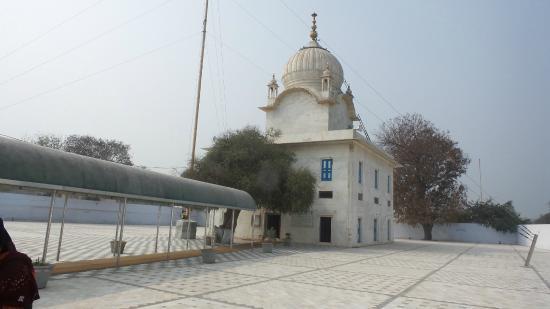 Muktsar, India: Gurudwara Tibbi Sahib, Front view.