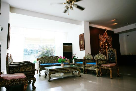 Oasis Hotel Chiang Mai: Seating area