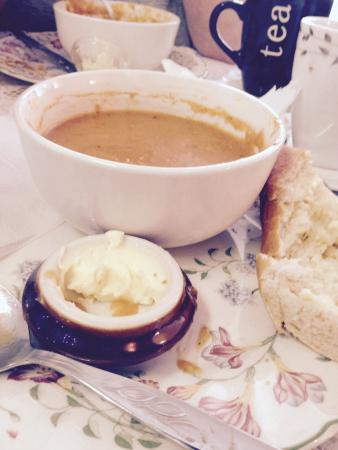 Clayton's tea rooms: Soup and roll