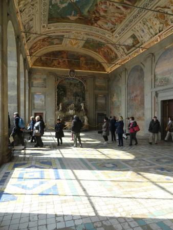 La scala regia foto di palazzo farnese caprarola for Ercole farnese 2017