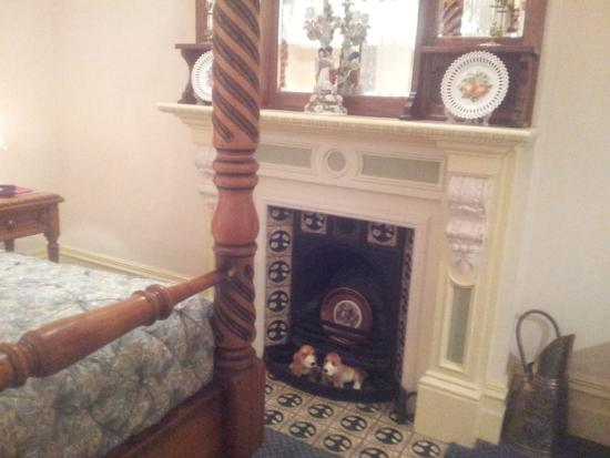 The Old Bakery Inn: The details of the fire place