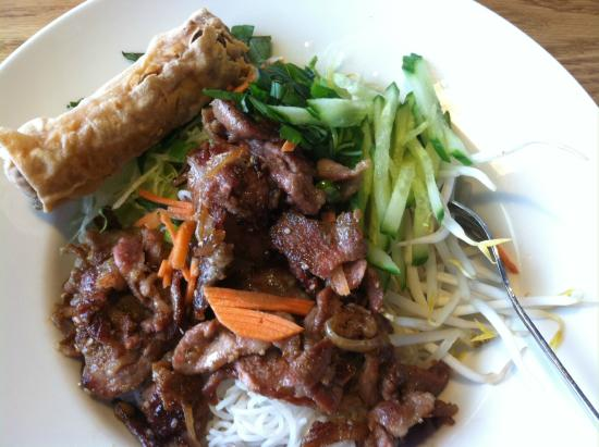 Thanh Thanh 3: Char grilled pork vermicelli