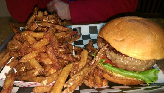 Official BBQ & Burgers: Best bugers in town!