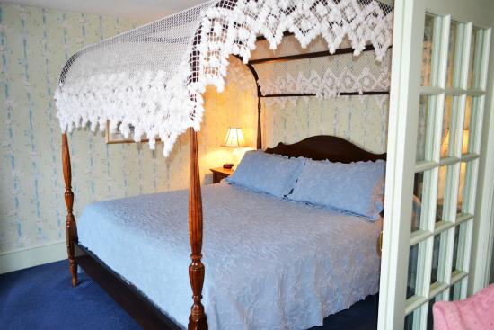 Stafford's Bay View Inn: Forget Me Not Suite