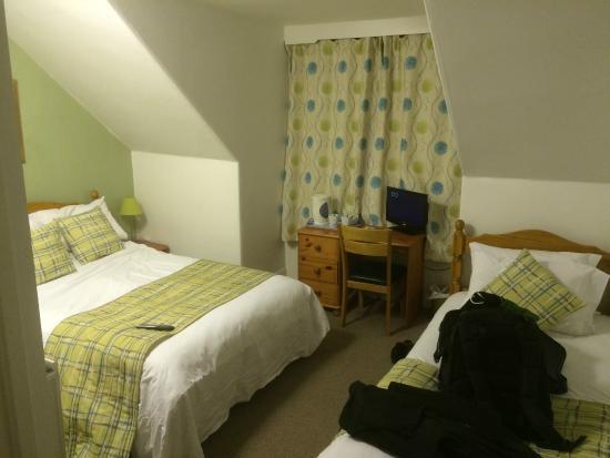 West Loch Hotel: room
