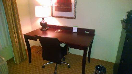 Country Inn & Suites By Carlson, Columbia at Harbison: Nice desk