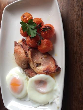 The Old Thatch Inn: great breakfast
