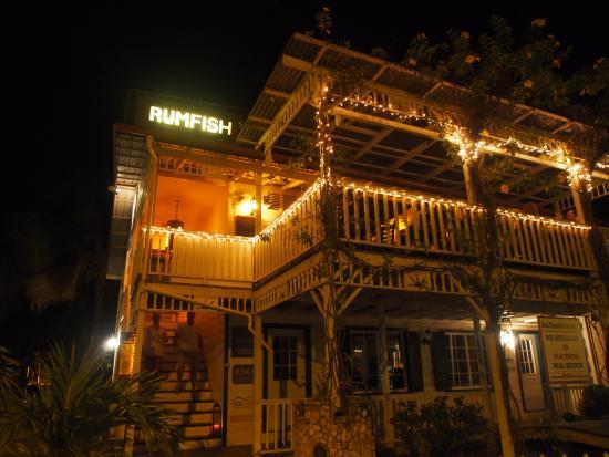 Rumfish y Vino: Beautiful in the evening