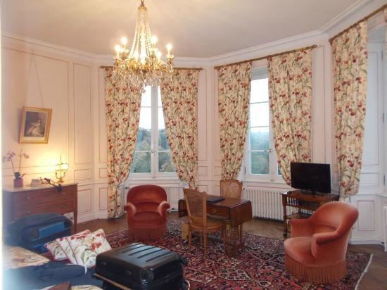 Château de Locguénolé : Room, looking towards window