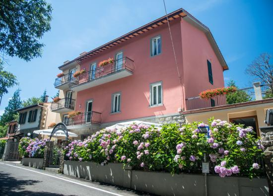 Bivigliano Italy  City new picture : ... Picture of Gli Scoiattoli Hotel Restaurant, Bivigliano TripAdvisor