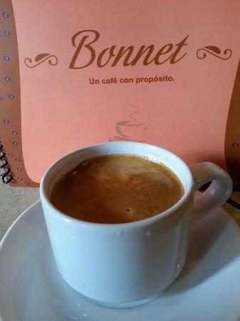 Cafe Bonnet