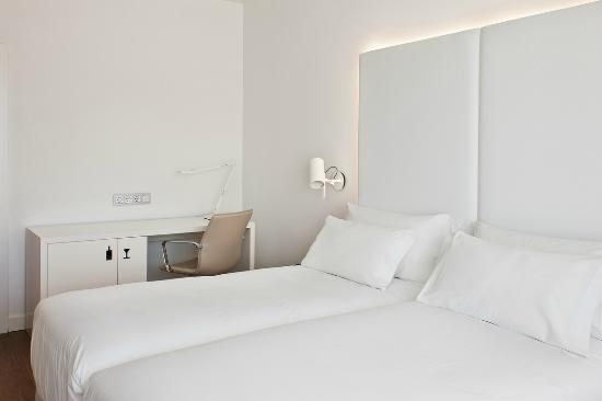 NH Madrid Atocha: Room