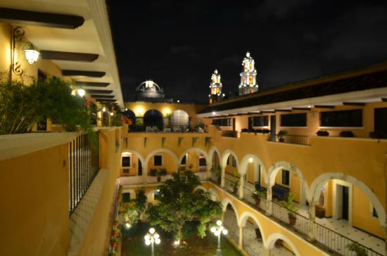 Caribe Hotel : A night view from Hotel Caribe.