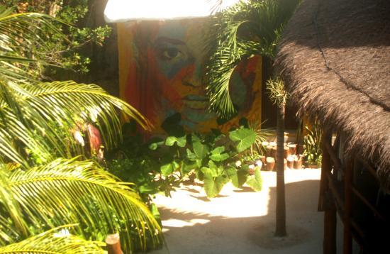 Tribu Hostel: garden