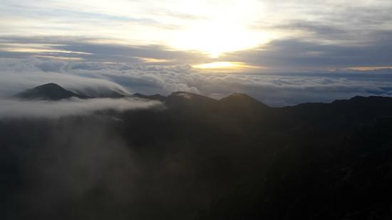 Cruiser Phil's Volcano Riders : Cloudy Sunrise on Haleakala