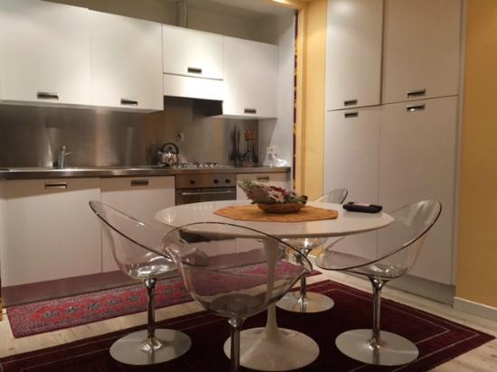 Cucina- soggiorno - Picture of Au Petit Chevrot, Gressan - TripAdvisor