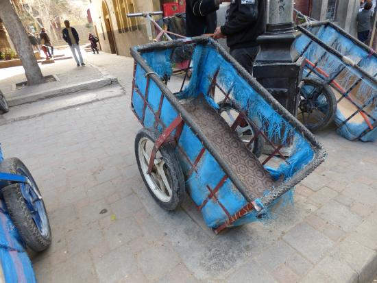 Taxi Amarrakech: EN ESPERA DE CLIENTES