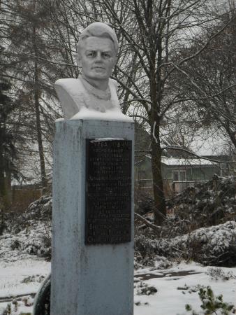 Ruzhany, Bielorrússia: Памятник Урбановичу И.П. в Ружанах