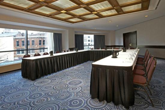 Hyatt Regency Buffalo: Ellicott Room