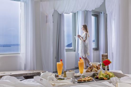 Andronis Luxury Suites : In Room Breakfast