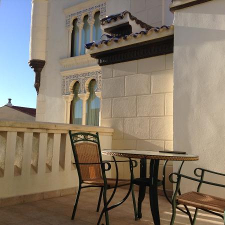 Hotel Kazar: Het privé terras bij de torenkamer