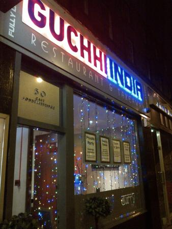 Guchhi Indian Restaurant: Inviting and well lit