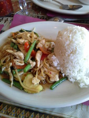Spicy basil with chicken picture of m p authentic thai for Authentic thai cuisine