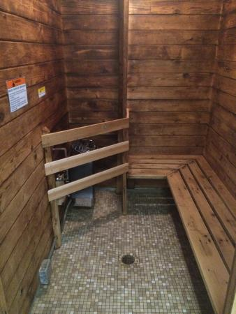 Steam sauna picture of cedar motor inn marquette for Cedar motor lodge marquette mi