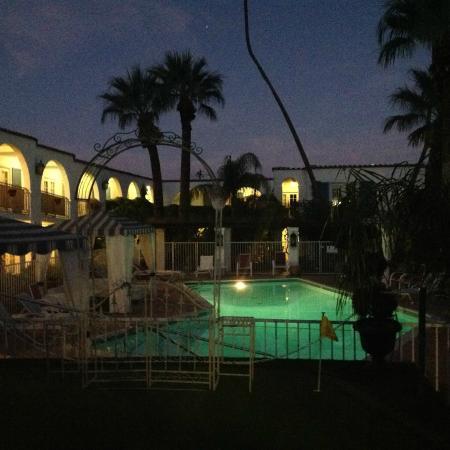 Mediterraneo Resort : First Night