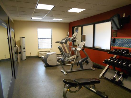 Hampton Inn Mt. Pleasant: Fitness Room
