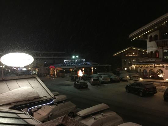 Hotel Sonnenhof : Cin Cin gezien vanuit Hotelkamer