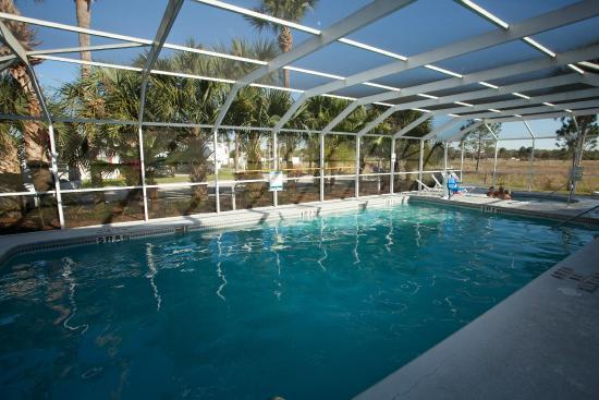 Toby's RV Resort: Pool area