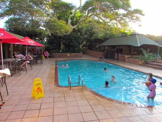 Anew Hotel Hluhluwe & Safaris: Well used pool