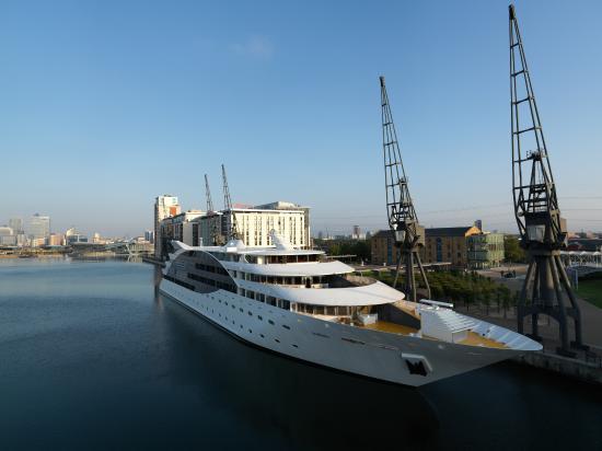 Sunborn Yacht Hotel Reviews