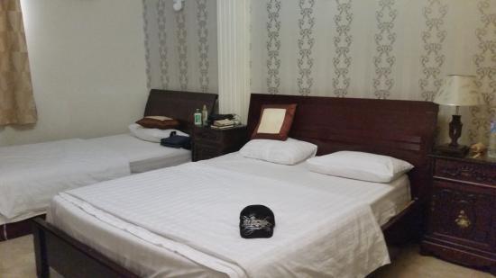 Hoang Lien Hotel: Masters bedroom