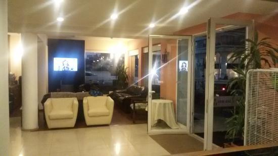 Hotel Playa Brava: Lobby