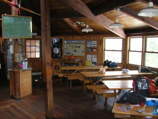 Lonesome Lake: Dining area